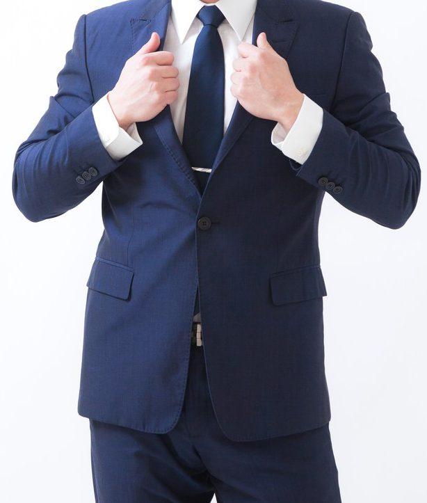 痩せていてスーツが合わない人にオススメ!細めでやせ形の人へのスーツ。