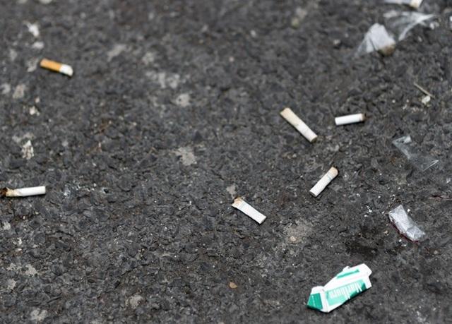 喫煙者によるマナー違反